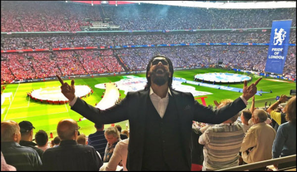 Ranveer all set for the final clash between Real Madrid and Juventus, Wembley Stadium, London. Which team do you think Ranveer had supported?