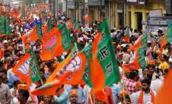 BJP workers attacked with rods, bottles in Kolkata