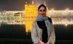 Latest News Kareena Kapoor Khan visits Golden Temple at wee hours to seek blessings ahead of Laal Si