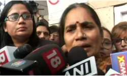 Nirbhaya's mother: Don't want 'tareekh pe tareekh', fed up of delaying tactics