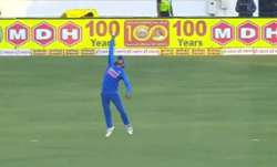 Manish Pandey takes a stunner in 2nd ODI to dismiss David