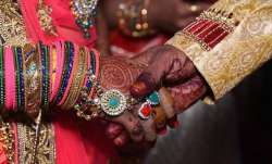 Man falls prey to car bait, tries to get teenage son married to older woman