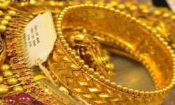 Gold Price Today: Gold nears Rs 55,000 per 10 gm; experts