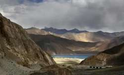 Chinese soldier apprehended, chinese soldier handed over to pla, chinese pla, ladakh china soldier,