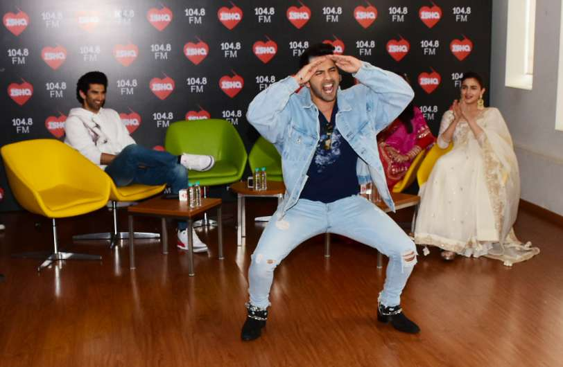 Alia Bhatt And Varun Dhawan S First Class Dance At Kalank Promotions Check Out Pictures