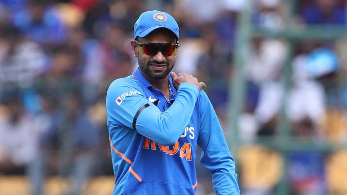 Shikhar Dhawan seeks parents' blessings before leaving for IPL